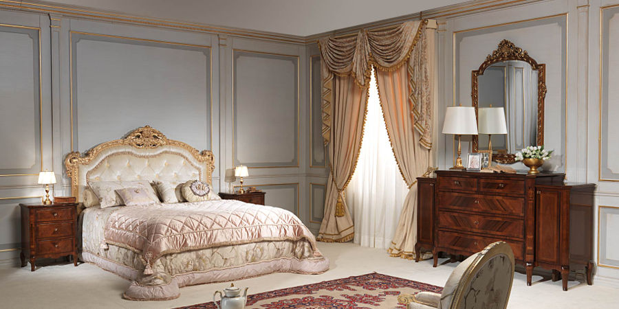 Traditional bedrooms - Camera da letto antica ...