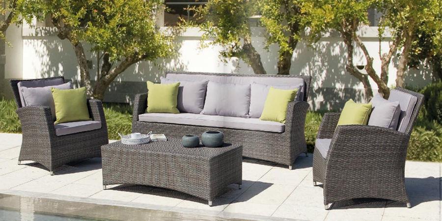 Interesting arredamenti per giardini moderni dal design - Design giardini ...